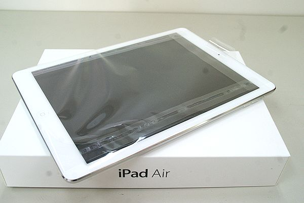 au iPad Air 32GB シルバー