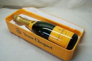 ヴーヴクリコ Ponsardin 750ml シャンパン