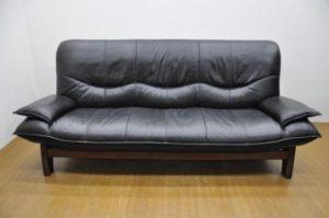 アサヒの本革モダン3Pソファを買取