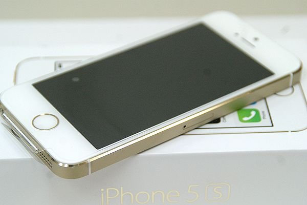 au iPhone 5s 64GB ゴールド