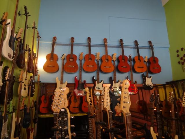 AV機器、ピアノ、ギター、スピーカーの買取
